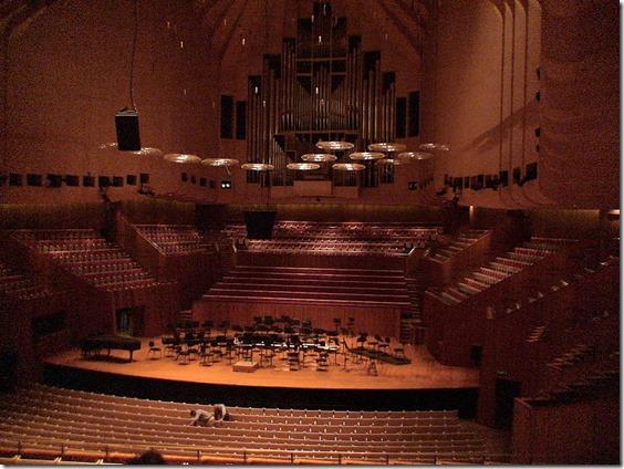 800px-Sydney_Opera_House_Concert_Theatre