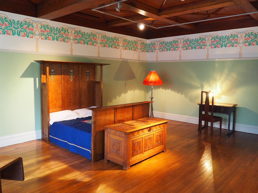 Arts & Crafts bedroom at Blackwell | Down by the Dougie